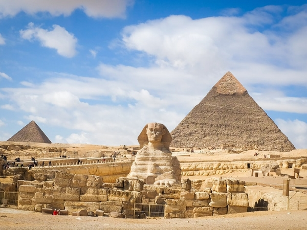 Full day Tour to Giza Pyramids, Sphinx ,  Egyptian Museum & Bazar